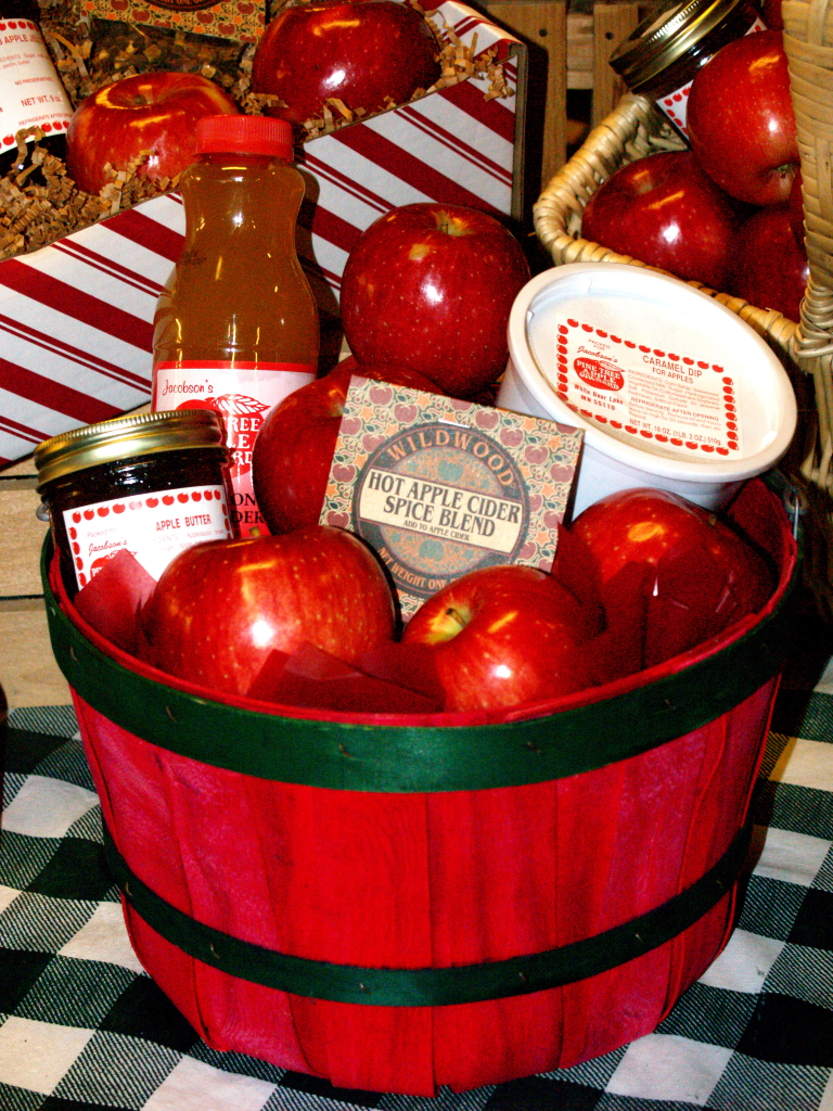 Custom gift baskets and boxes
